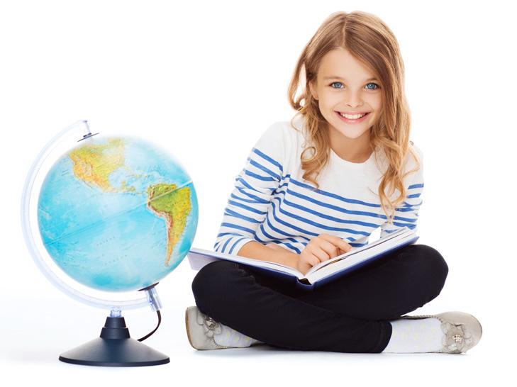 Dziewczynka z globusem